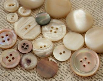 VINTAGE BUTTONS 19 Real SHELL Lovely Lot Beautiful Opalescent Color Creamy Whites