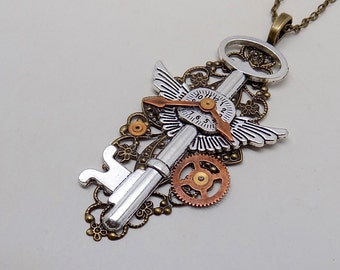 Steampunk necklace. Steampunk key pendant.