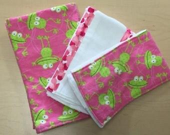 receiving blanket_swaddling blanket_gift pack_hoppy frogs