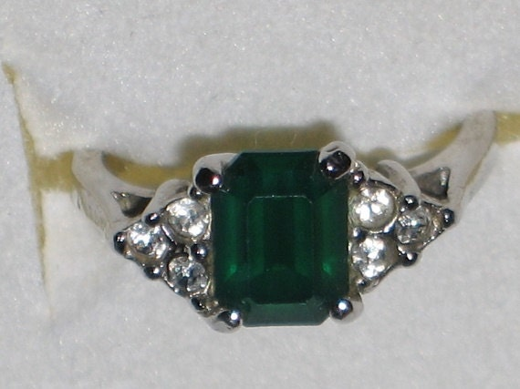 faux emerald cocktail ring