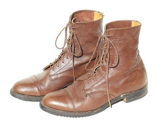 Vintage Brown Leather Ankle Boots / size 9