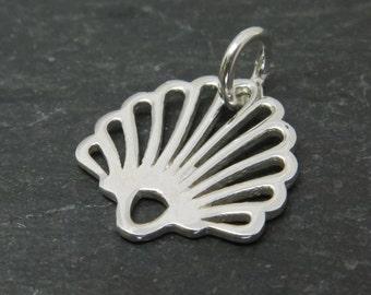 Sterling Silver Seashell Pendant 15mm (CG7777)