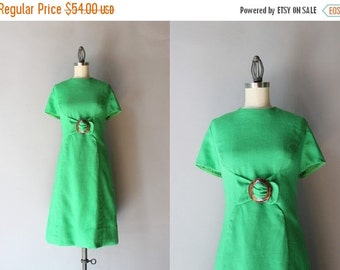 STOREWIDE SALE 1960s Linen Dress / Vintage 60s Kelly Green Dress / Tortoise Buckle 60s Shift Dress