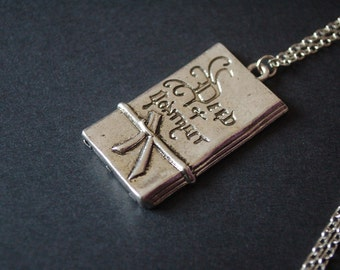 Bilbo Baggin's deed of contract necklace