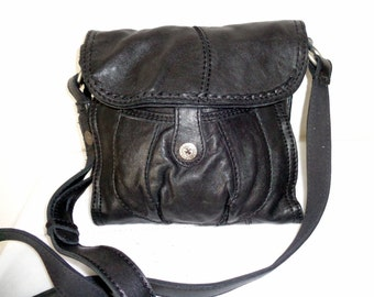 Lucky Brand buttery  soft Italian  leather SMALL cross body bag ,saddle bag, vintage messenger bag, vintage 90s pristine condition