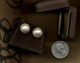 14k MOBE PEARL Vintage Earrings