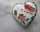 Handpainted Czech Glass white heart w/Butterfly Flower Button ( oct 371)