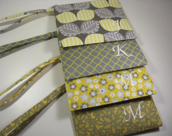 Set of 7 Personalized Bridesmaid Gift - Clutch- Zipper Pouch- Personalized Wristlet - Chevron - Small