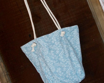 "Bag/Purse- 16 x 13 inch-""Going Too"" Bag---Cream White daisies and leafy vines on medium blue"