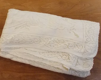 Vintage Scranton ivory lace tablecloth floral/leaf original box