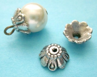40 Pieces of Antiqued Silver Color Floral Shaped Bead Caps Jewelry Findings