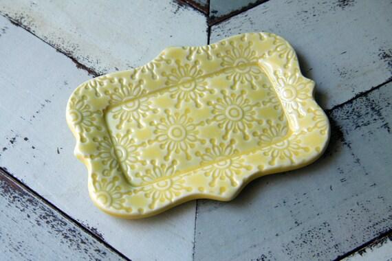 yellow butter dish, 1/2 a stick size