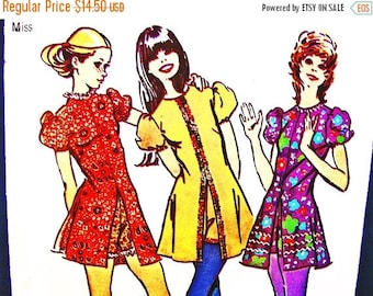 Sewing Pattern SALE 1970s Dress Pattern Simplicity Misses size 10 MOD Mini Dress with Shorts Vintage Sewing Pattern 70s