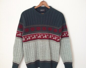 Vintage men's reindeer sweater. M