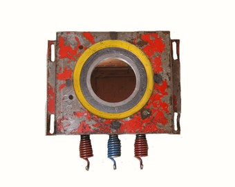 Industrial Entryway Key Rack Red Wall Mirror Upcycled Metal Key Holder Wall Organizer Boyfriend Gift Jewelry Hanger Steampunk Yellow Blue