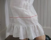 Linen Bloomers with Eyelet Lace The Wild Raspberry