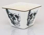 bee Amused - beeswax blend container candle - Skull - bee HEALTHY - beeLUXE