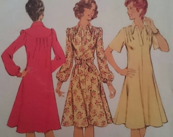 Seventies Ladies Dress Sewing Pattern to fit 38 inch bust