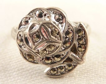 Size 8 Vintage Sterling and Marcasite Flower Ring