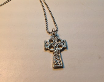 Decorative cross necklace