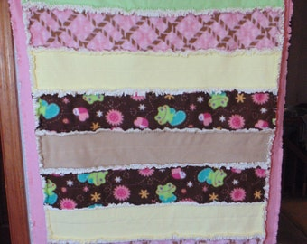 Frogs and Flowers Fleece and Minky Rag Quilt