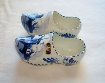 """Vintage Hand Painted Blue & White Windmill """"Delft"""" Holland Pottery Shoes"""