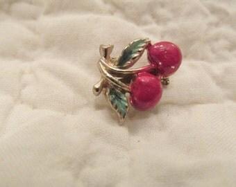Vintage small Brooch Cherries