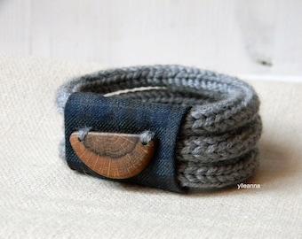 Wood and wool bracelet. Plaid cuff. Tweed light grey, blue, charcoal grey, brown.