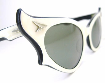 Vintage 50s Ray Ban Pearl Cat Eye Sunglasses Frames BL Ballet B&L USA