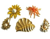 Vintage Gold Tone Jewelry Lot; Three Brooches, 1 Pair of Earrings; Vintage Pieces For Repair or Repurpose, Crafter's Lot