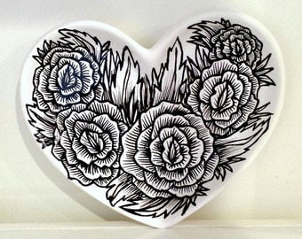 Ceramic Heart Tray Hand Painted Black and White Roses Illustrated Plate Tattoo Flower Ring Dish Jewelry Holder Home Decor - READY TO SHIP