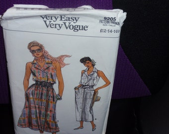 Vogue 9205 Straight or Flared Dress Very Easy Vogue Size 12-14-16 Uncut