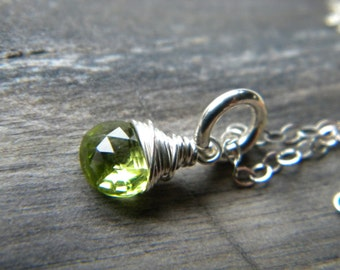 Bright green peridot gemstone briolette wire wrapped necklace - Handmade sterling silver jewelry