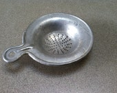 Vintage Metal Tea Bag Strainer ~ Tea Bag Holder ~ Tea Leaf Strainer ~ Vintage Kitchen Gadget ~ Tea Time ~ Afternoon Tea