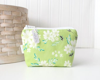 Green and White Floral Coin Purse Gift Card Credit Card Holder Small Zipper Pouch Green Change Purse