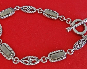 "Premier Designs signed Vintage 7.5"" silver tone bracelet with toggle clasp in great condition"