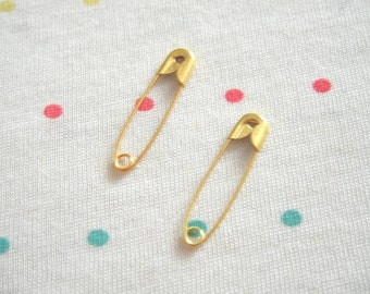 Small Gold Metal Safety Pins, Gold Plated, 22 mm Long (100)