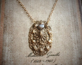 Mystical Shell and Pearl Necklace