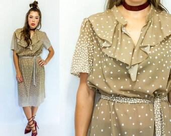 Beige and White Two Tone Gradient Confetti POLKA DOT Print Full Skirt 80's Vintage Midi Dress w/ Tuxedo Ruffle Jabot Neckline