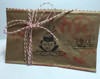 Valentine Paper Pockets...Valentine Treat Bags...Children's Paper Treat Bag..Valentines Day...Set of 10