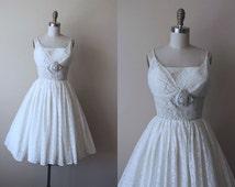 1950s Party Dress - Vintage 50s Dress -  Ivory Lace Full Skirt Bust Shelf Wedding Prom Dress XS - Moss and Birch Dress