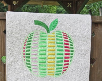 Apple Applique Wall hanging quilt pattern