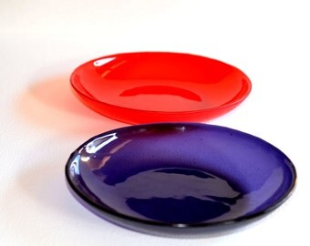 modern minimal glass platters. fused murano glass platters. handmade fused glass
