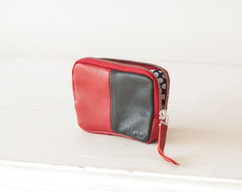 Leather coin purse in red and blue, zipper pouch zipper phone case bag credit card zip purse - Myrto Zipper pouch