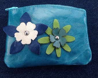 Leather coin purse with flowers