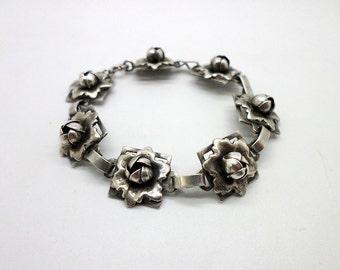 Vintage Silver Tone Floral Link Bracelet