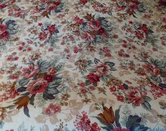 "Vintage Bedspread 116"" L x 98"" W, Queen Size, King Size, Georgeous Floral Print, Country Decor Quilt, Quilted Bedspread, Cabin Quilt,"