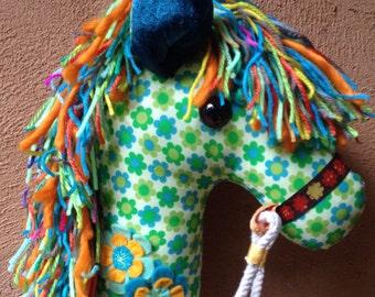 LOUGAŸA  - Hobby Horse
