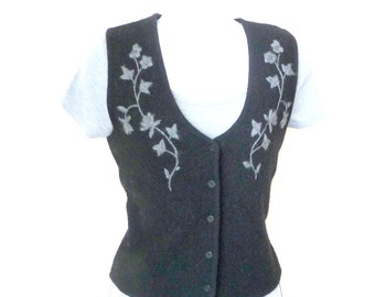 Vest - Black - Embroidered - Wool - Button Front - Gray Floral - Nordic - Warm - Layer - Recycled - Apres Ski - Petite Medium - V Neckline