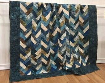 "Quilt Twin Blue Barn/Snowbird Braided HANDMADE Patchwork Quilt Laundry Basket Quilts Moda Blue Navy Cream 68x90"""